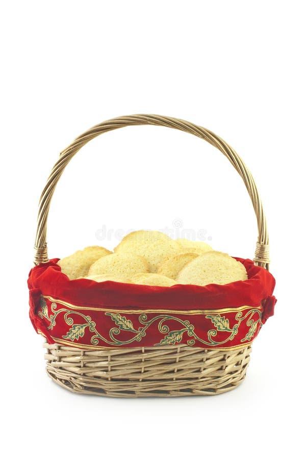 Canestro in pieno dei biscotti di festa fotografie stock