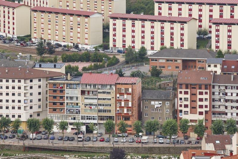 Cangas Del Narcea miasta budynków grodzkie fasady Hiszpanii asturii obraz royalty free