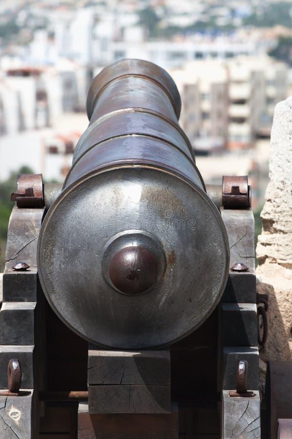 Canhão à cidade imagens de stock royalty free