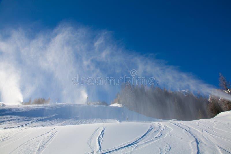 Canhão da neve imagens de stock royalty free
