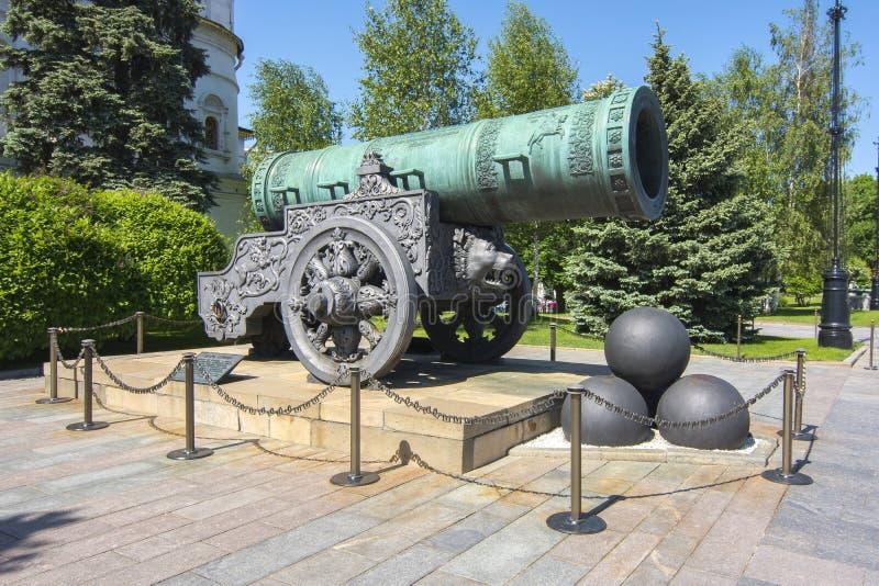 Canhão do czar no Kremlin de Moscou, Rússia imagens de stock