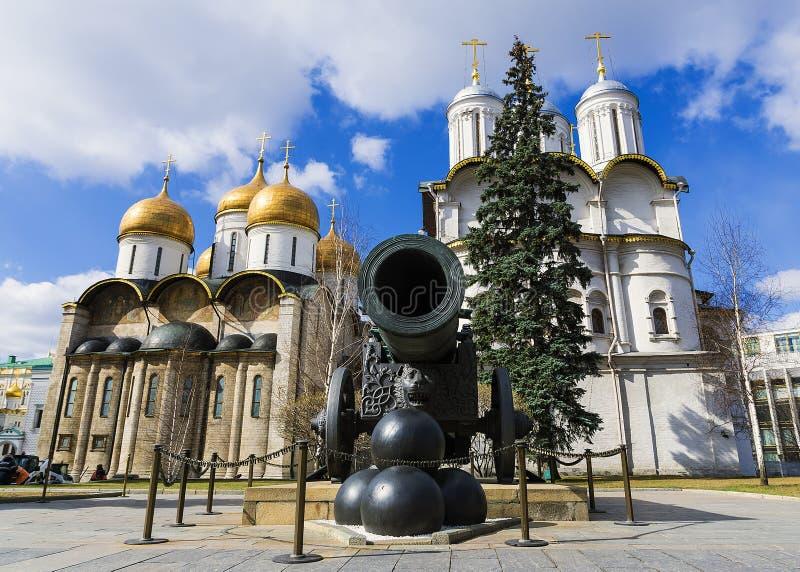 Canhão no Kremlin de Moscou, Rússia do czar foto de stock royalty free