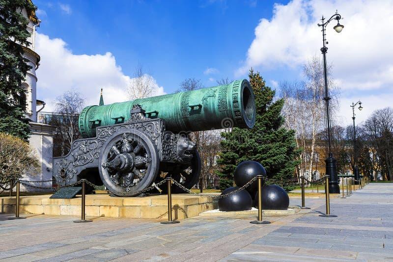 Canhão no Kremlin de Moscou, Rússia do czar fotografia de stock royalty free