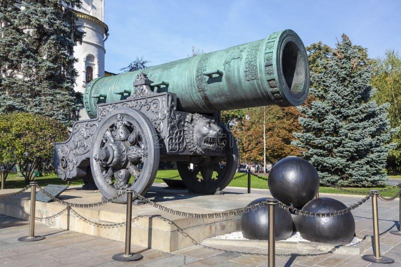 Canhão no território do Kremlin de Moscou, Moscou do czar imagem de stock royalty free