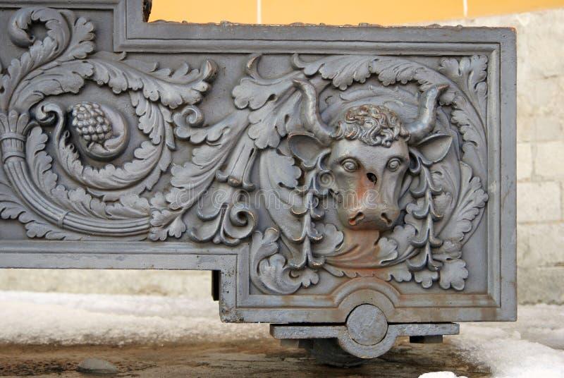 Canhão velho no Kremlin de Moscou Local da herança do Unesco imagens de stock