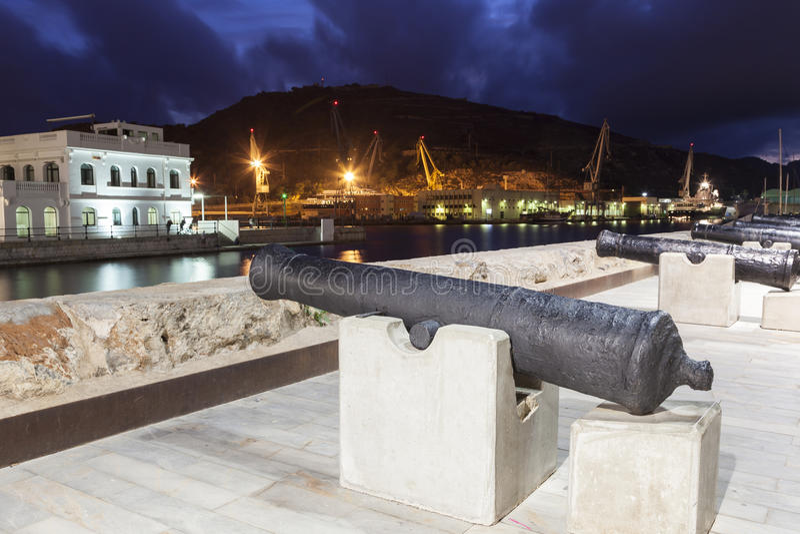 Canhões históricos em Cartagena, Espanha fotografia de stock