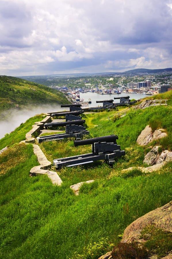 Canhões no monte do sinal perto de St. John fotografia de stock