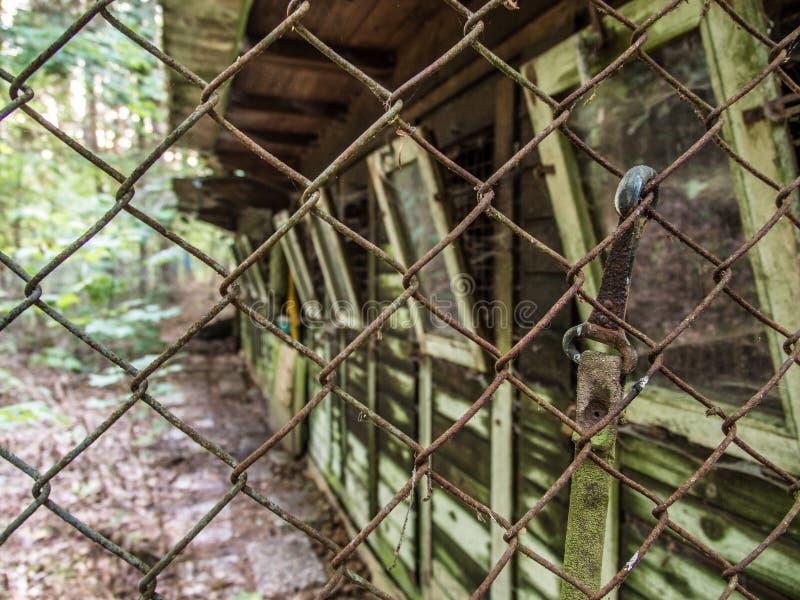 Canile abbandonato fotografia stock libera da diritti