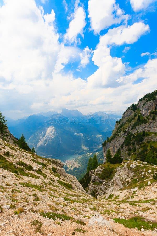 Caniveau alpin images libres de droits