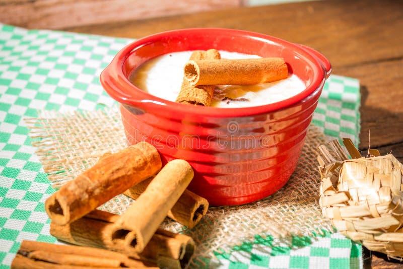 Canjica - dulces brasileños típicos del partido del junina fotografía de archivo