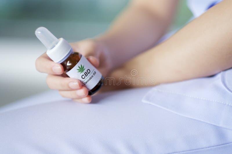 Cannabisolie voor medische behandeling stock fotografie