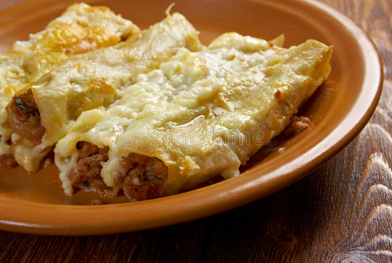 Cannelloni com carne fotografia de stock