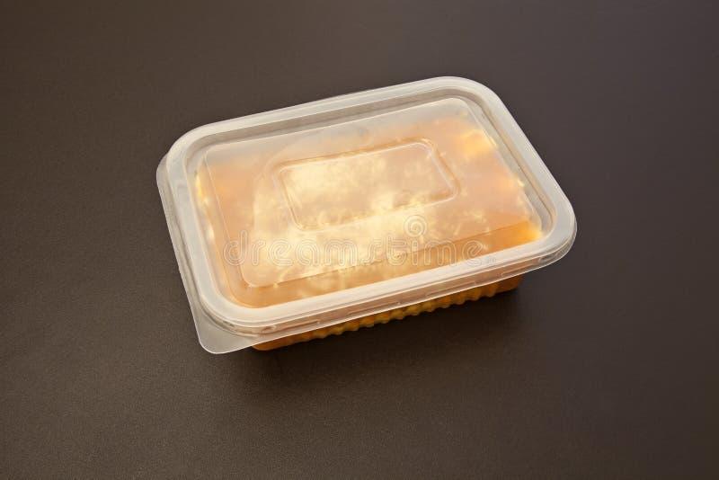 Cannelloni con il riocata e la salsa al pomodoro fotografia stock libera da diritti