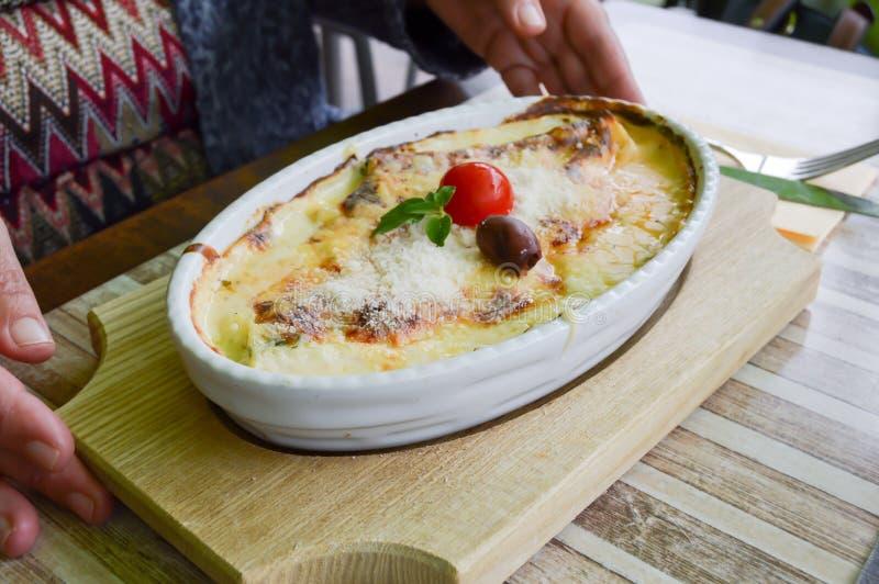 Cannelloni naczynie z szpinakiem zdjęcia royalty free