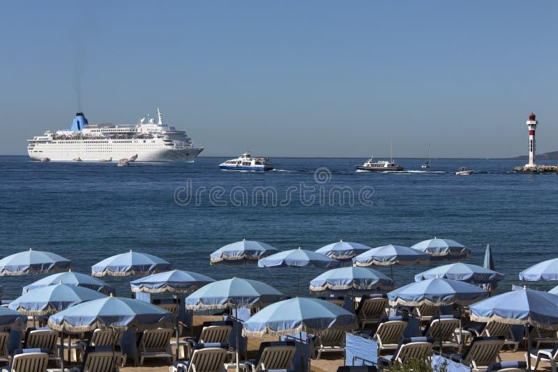 Download Cannes - D'Azur Da Costa - Sul De France Imagem de Stock - Imagem de sunbathing, riviera: 26509199