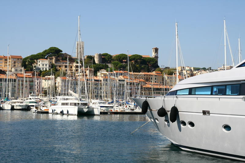 Cannes fait de la navigation de plaisance le port images libres de droits
