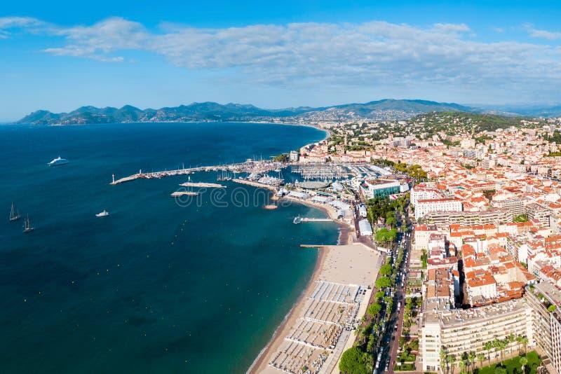 Cannes flyg- panoramautsikt, Frankrike arkivbilder