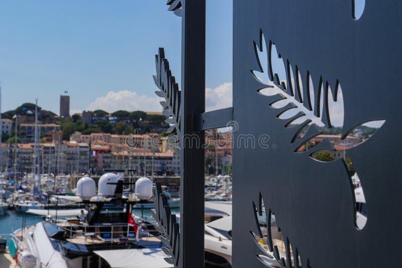 CANNES, FRANCIA 14 MAGGIO: Il logo del palazzo di festival indicato sopra può, 2018 a Cannes, la Francia Il tappeto rosso per il  fotografia stock