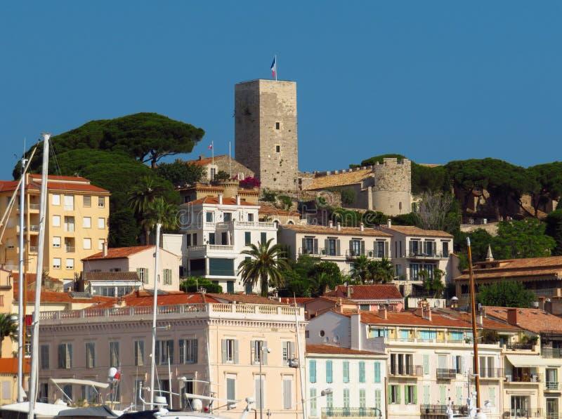 Cannes - Mening van de oude stad stock afbeelding