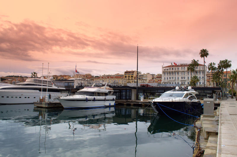 Cannes port, Frankrike royaltyfri foto