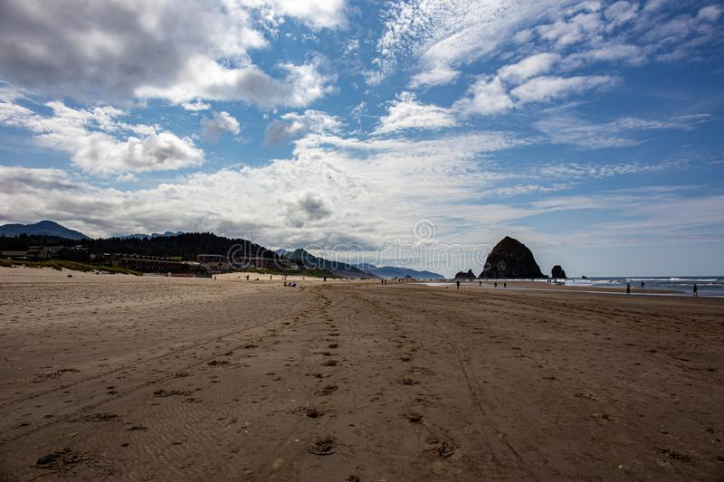 Cannon Beach, Oregon coast: the famous Haystack Rock.  stock photography