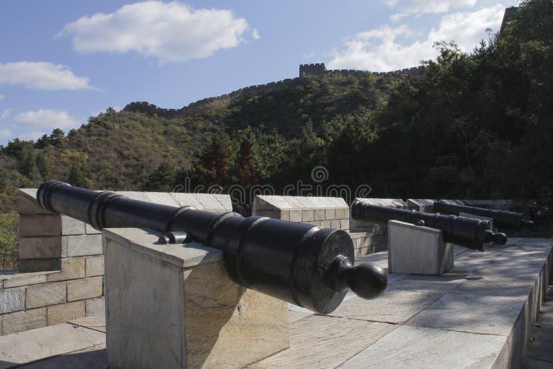 Cannone antico alla sezione di Jinshanling della grande muraglia fotografia stock