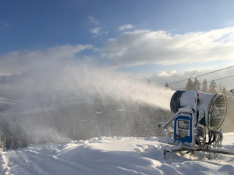 Cannone della neve fotografia stock libera da diritti