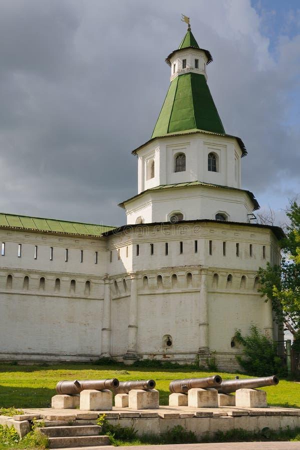 Cannoni bronzei e torre di Damasco - nuovo monastero di Gerusalemme immagini stock