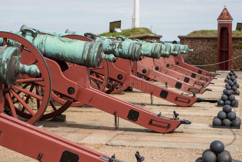Cannoni e palle fotografie stock libere da diritti