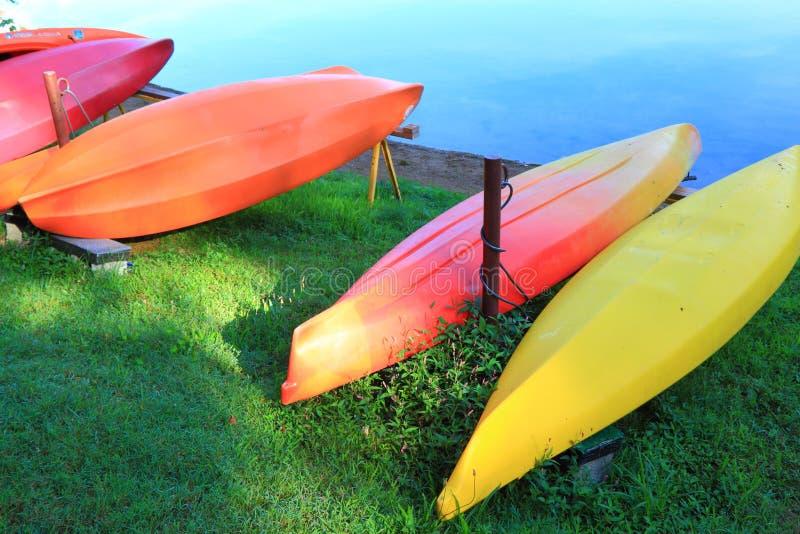 Canoa colorida imagens de stock royalty free
