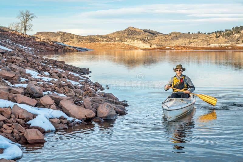 Canoa del invierno que se bate en Colorado fotografía de archivo libre de regalías