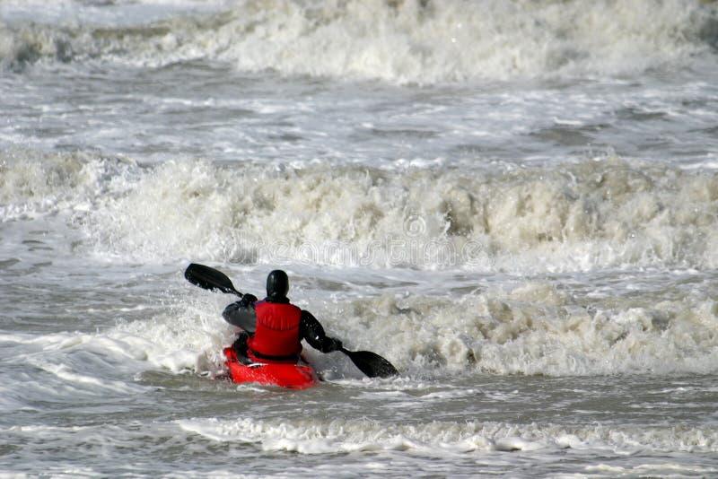 Canoa na água selvagem fotos de stock royalty free
