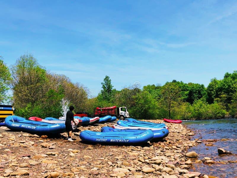 Canoas pelo rio de Lehigh foto de stock