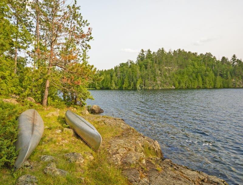 Canoe dentro per la notte immagine stock