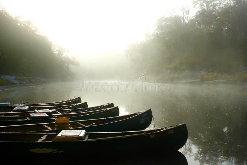 Canoe di mattina immagine stock