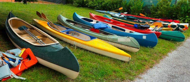 Canoe e kajak immagine stock