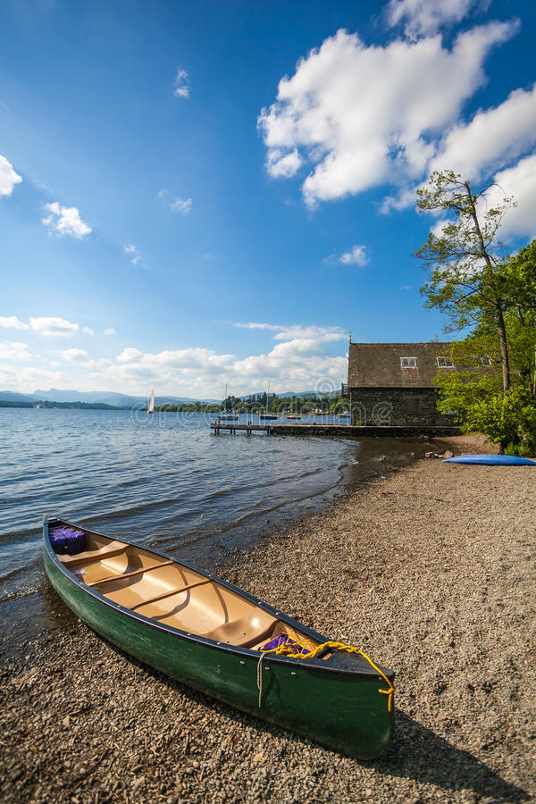 Download Canoe On Lake Royalty Free Stock Image - Image: 25951756