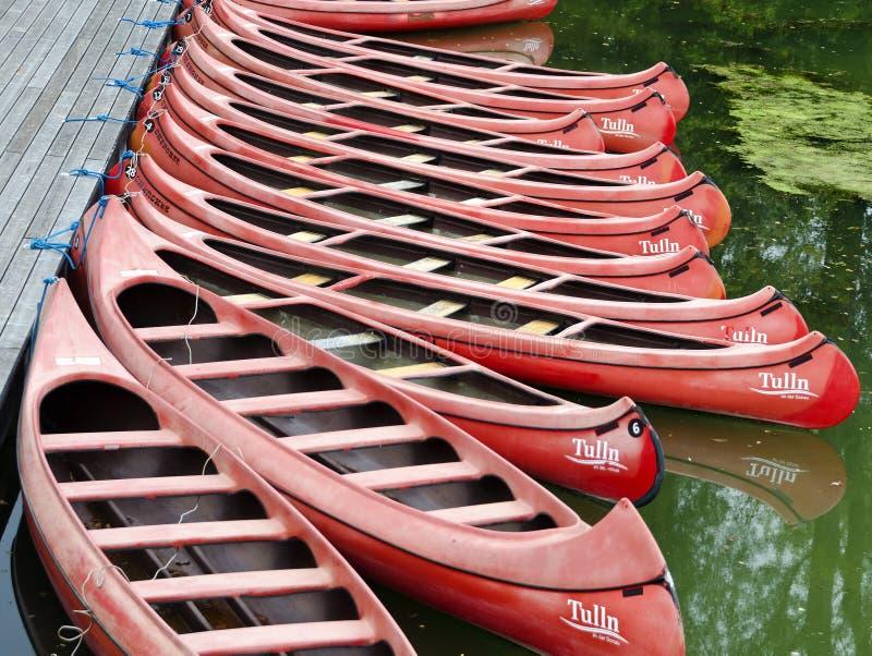 Canoe rosse fotografia stock
