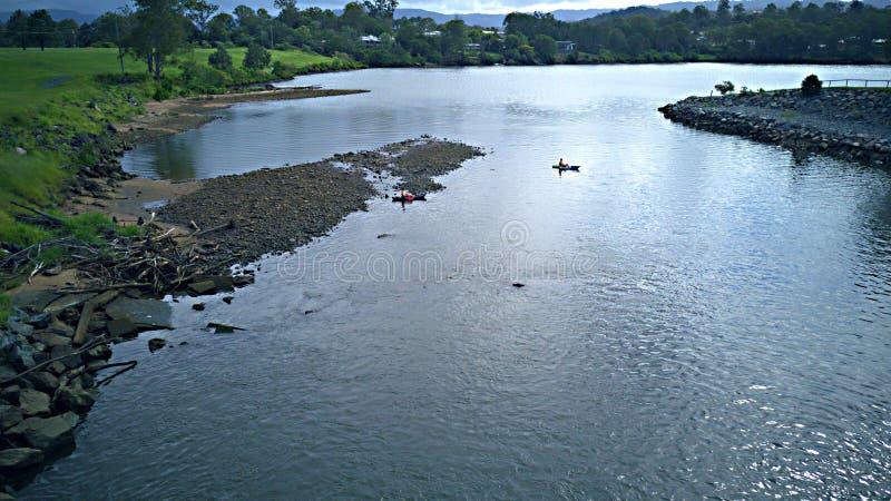 Canoeing на coomera Gold Coast Квинсленде Австралии озера верхнем стоковая фотография