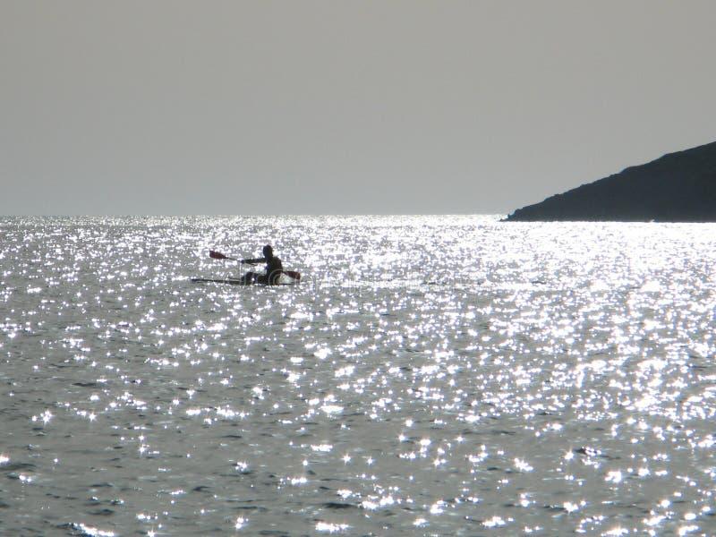 Download Canoeing nel mare immagine stock. Immagine di canoe, rower - 207309