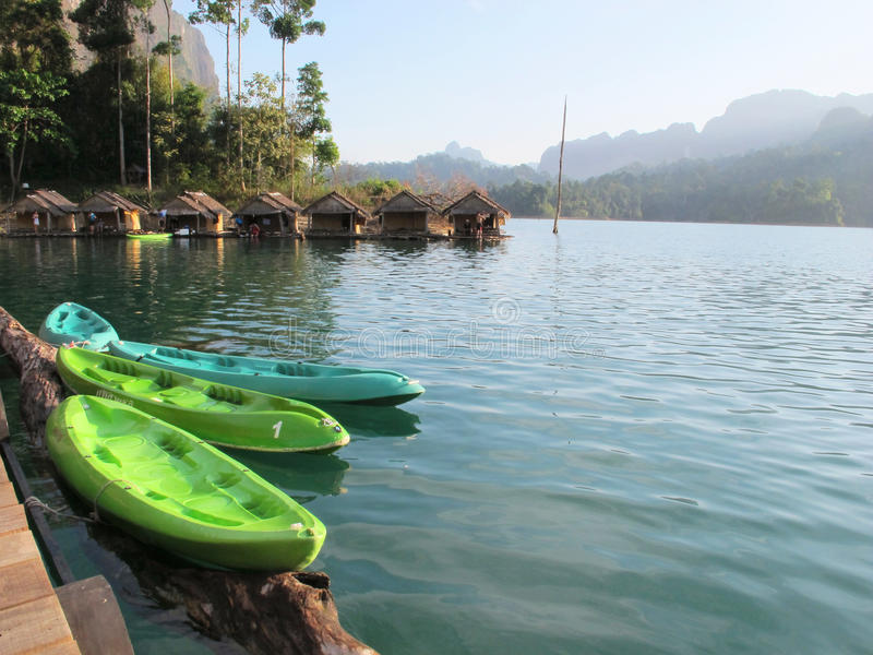 canoes цветасто стоковое изображение rf