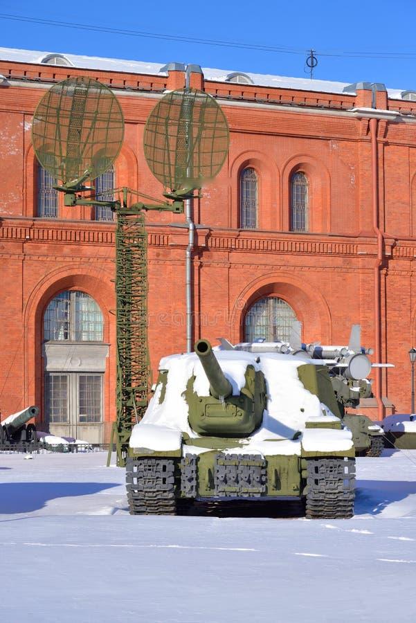 Canon autopropulsé de vieille fusée soviétique image stock