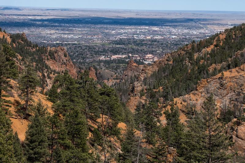 Canon del norte Colorado Springs del barranco de Cheyenne foto de archivo