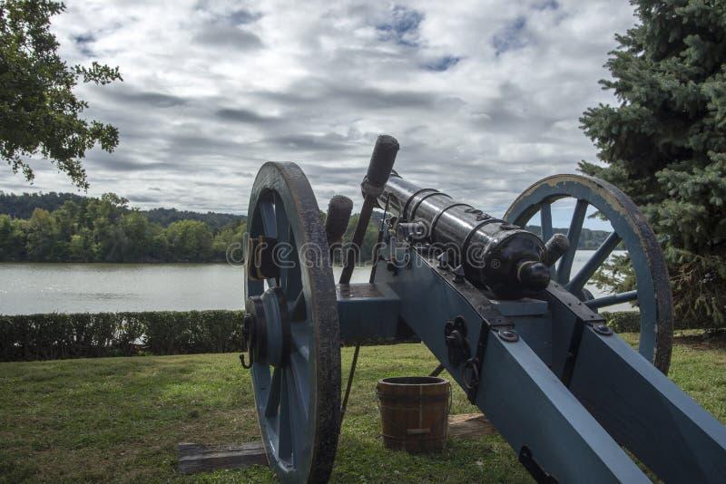 Canon am Fort Randolph, Virginia, USA stockfotos