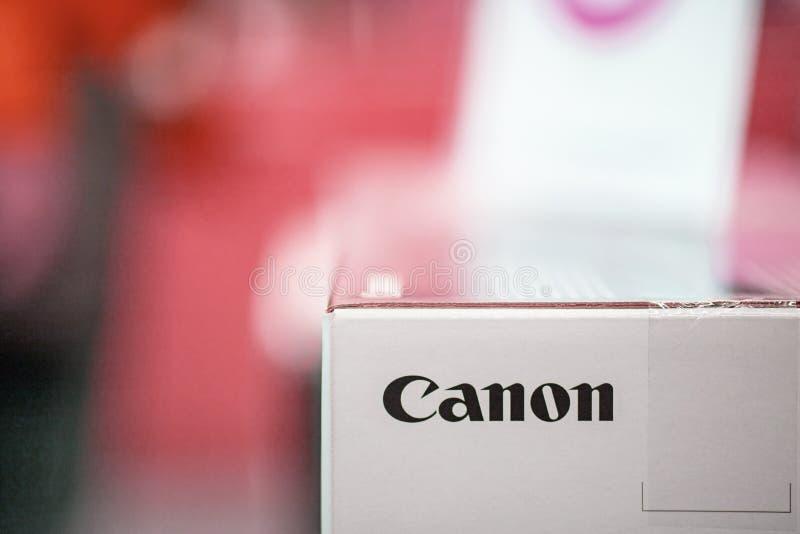 Canon logo på packeasken royaltyfria bilder