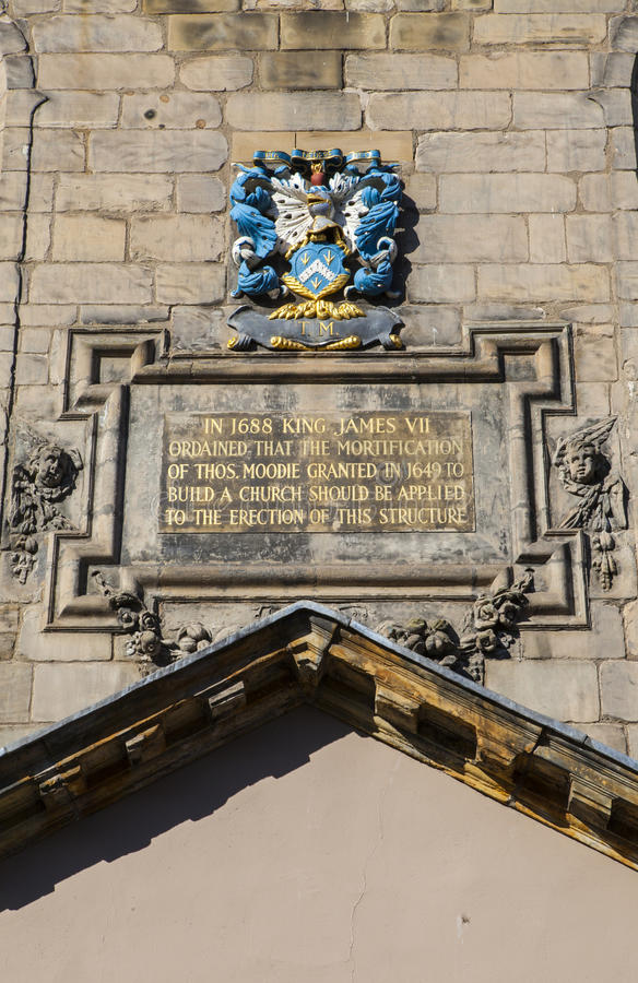 Canongate Kirk Plaque i Edinburg royaltyfri bild