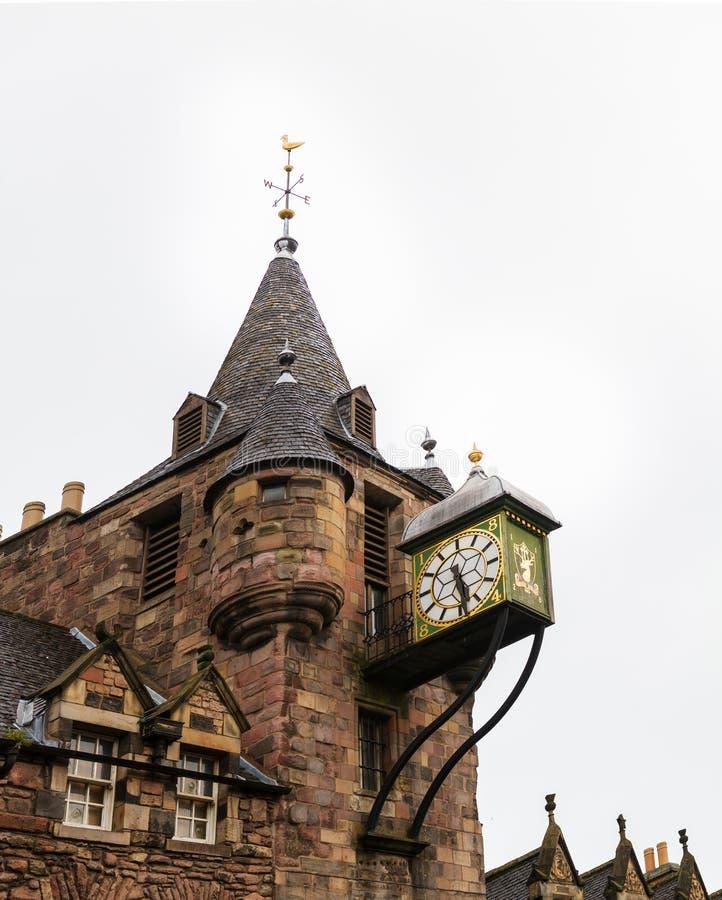 Canongate Tolbooth, en historisk gränsmärke av den gamla staden av Edinb royaltyfria foton