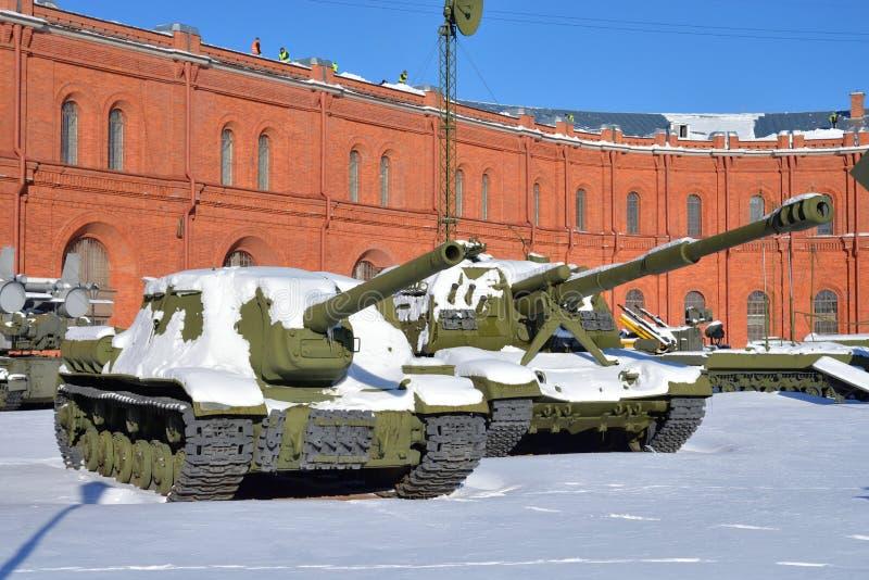 Canons autopropulsés de vieille fusée soviétique photographie stock