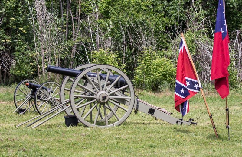Canons et drapeaux de guerre civile photographie stock