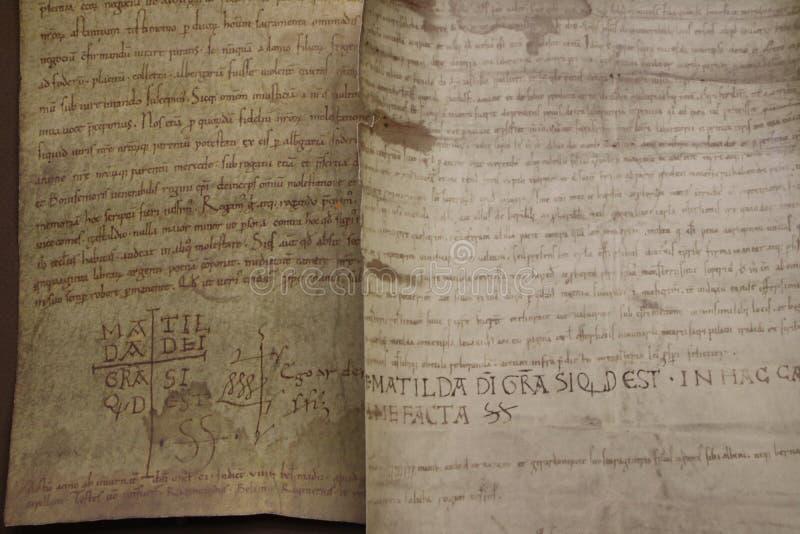 Canossa, Italia, Matilde del museo de Canossa, lugar turístico en Reggio Emilia imagenes de archivo